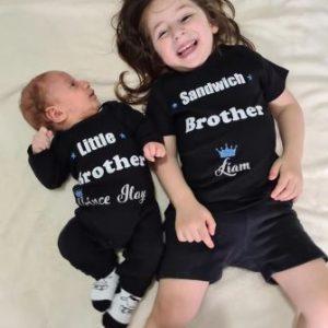 Sis And Bro משולב
