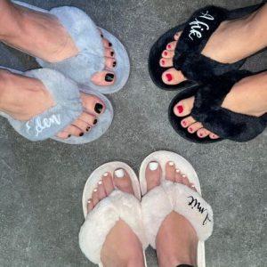 נעלי בית אצבע